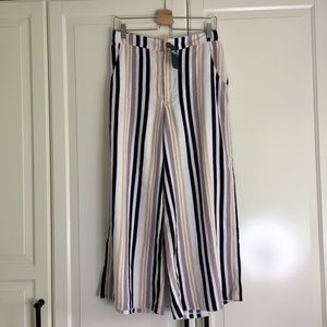 🌼2 for $50🌼 Hollister Striped Culottes